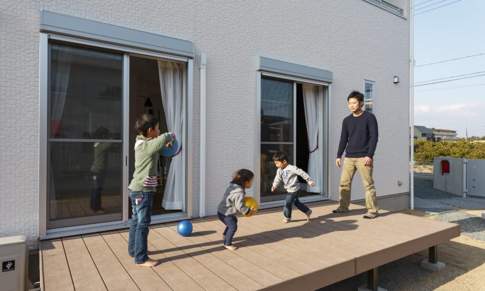 のびのびと子育てを!子ども部屋は3部屋・広々庭付きの家